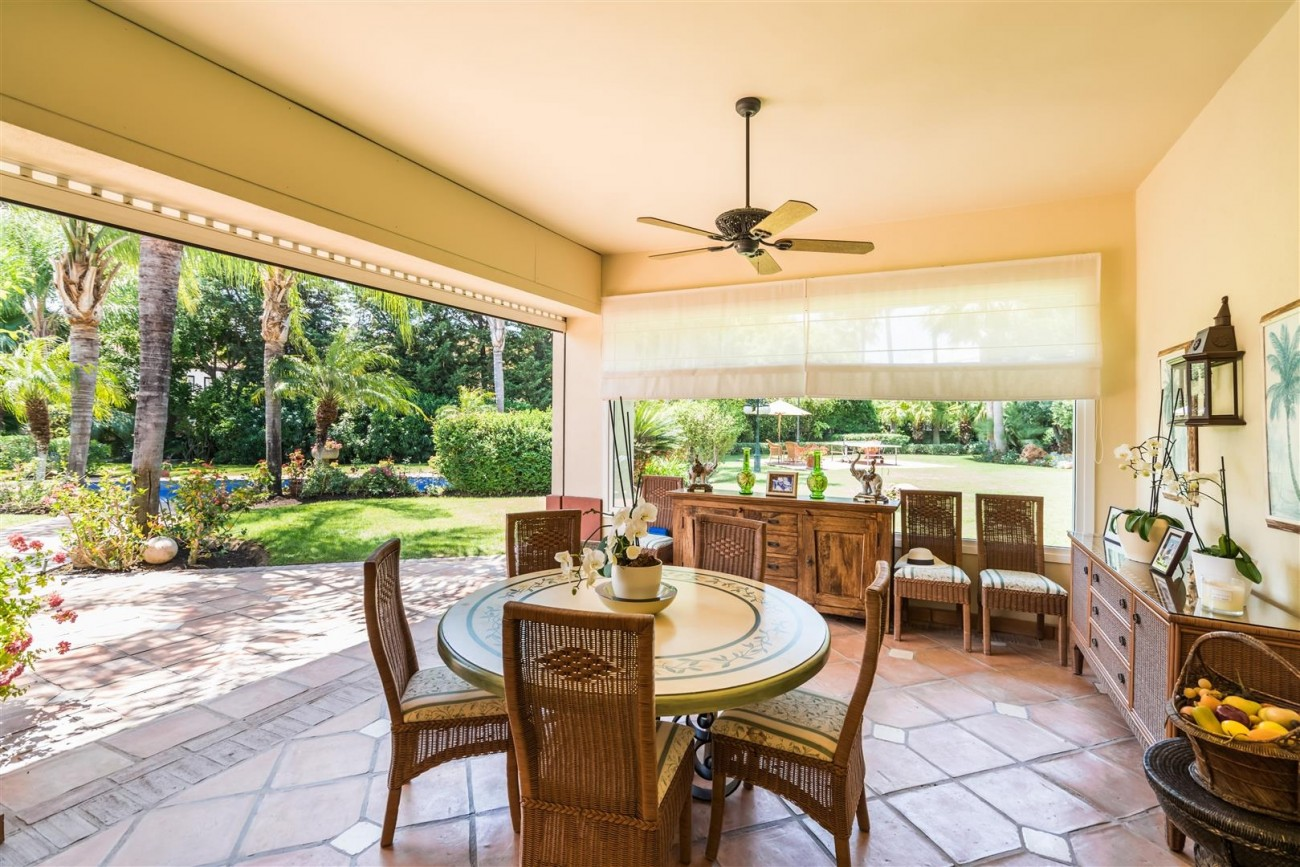 Luxury Beachside Villa for sale Marbella West Spain (28) (Large)