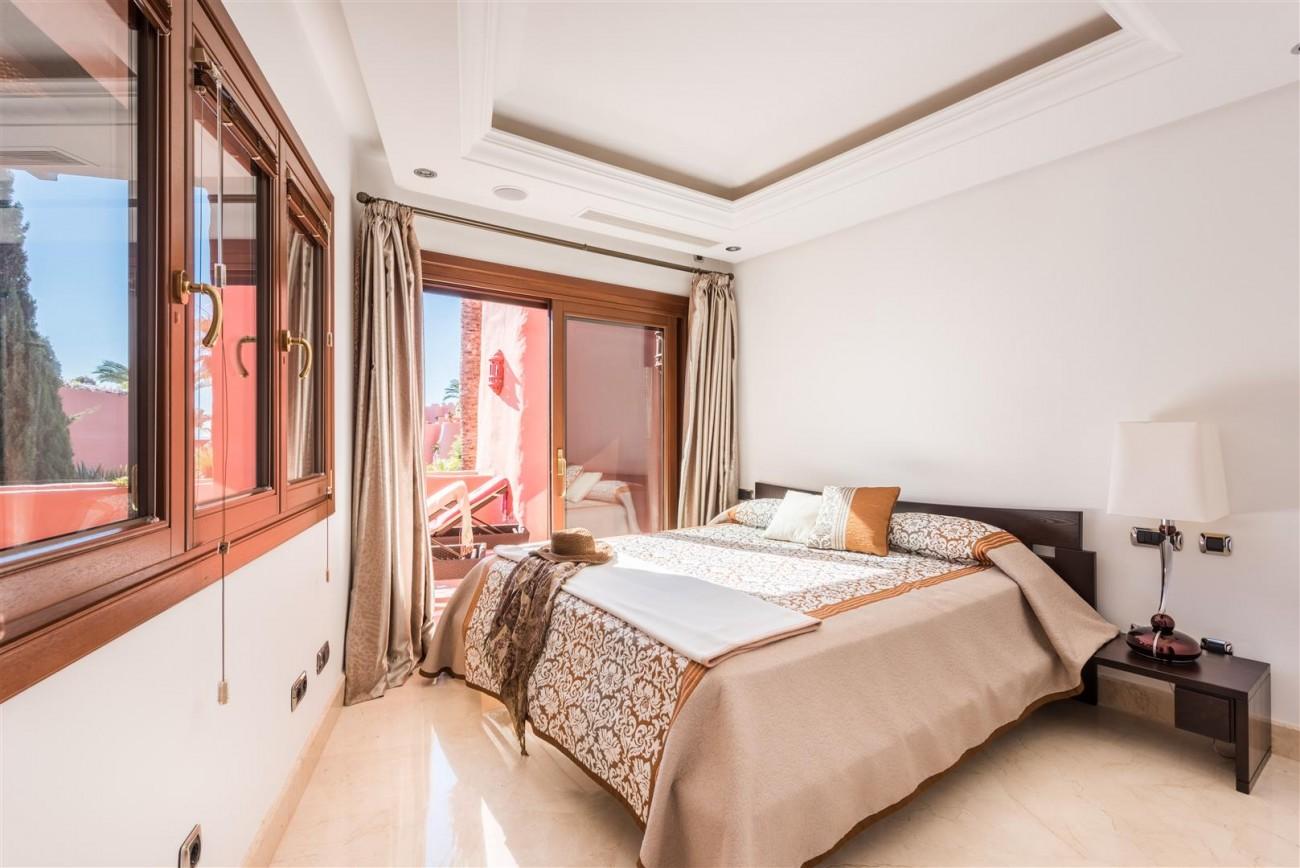 Beachfront Luxury Penthouse for sale Estepona Spain (1) (Large)