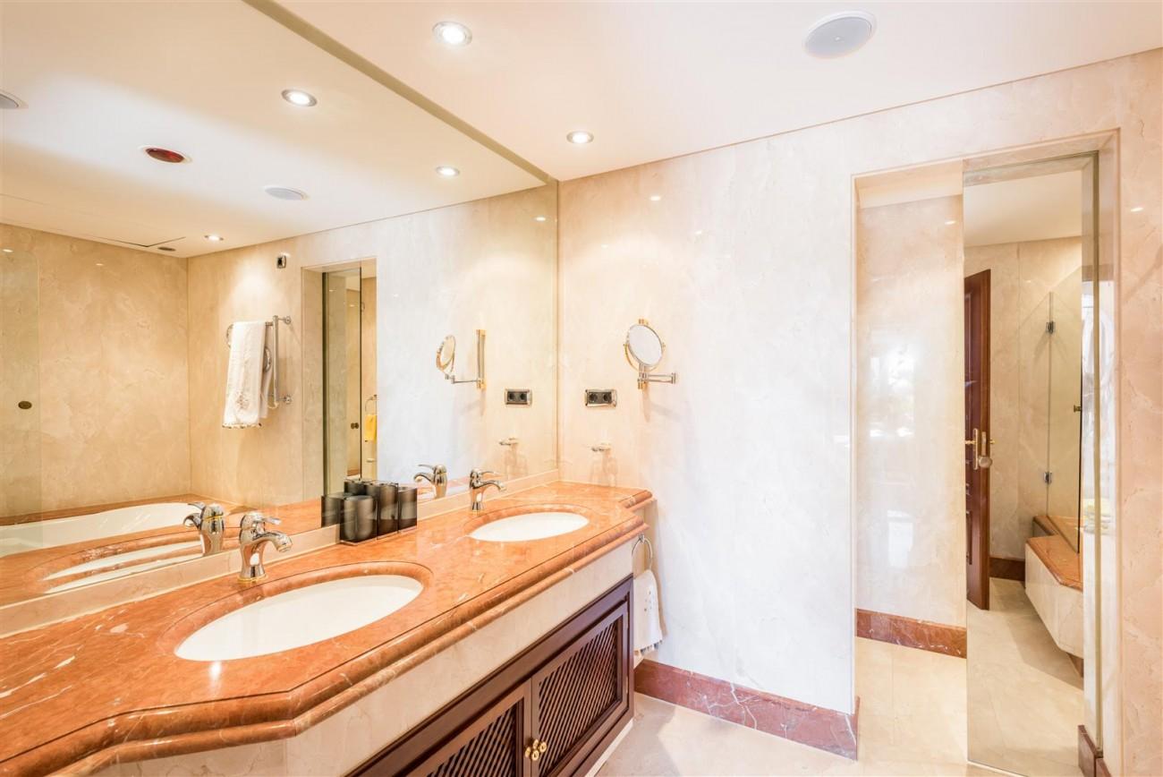 Beachfront Luxury Penthouse for sale Estepona Spain (2) (Large)