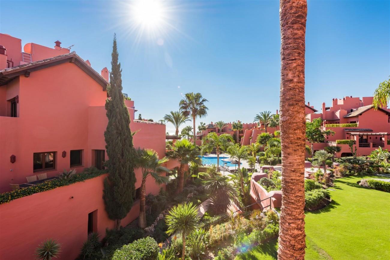Beachfront Luxury Penthouse for sale Estepona Spain (3) (Large)