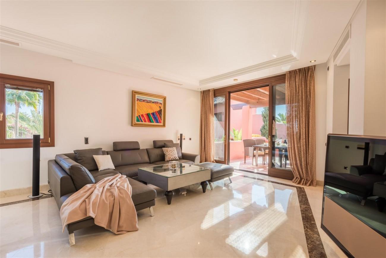 Beachfront Luxury Penthouse for sale Estepona Spain (5) (Large)