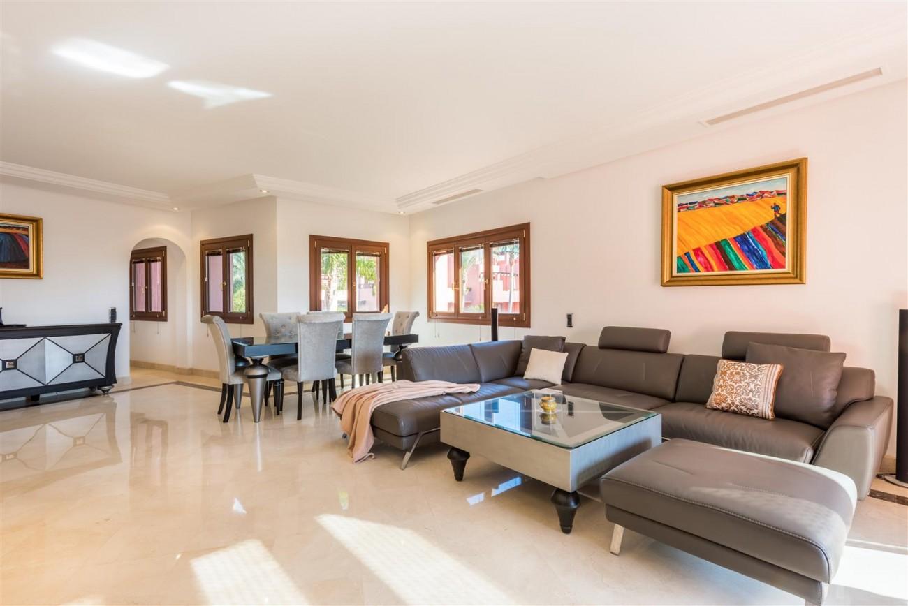 Beachfront Luxury Penthouse for sale Estepona Spain (6) (Large)