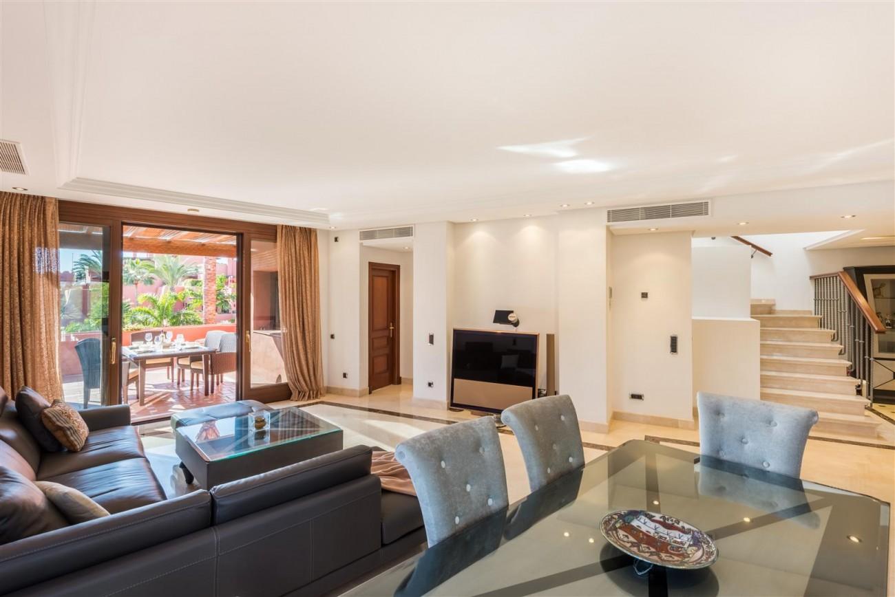 Beachfront Luxury Penthouse for sale Estepona Spain (7) (Large)