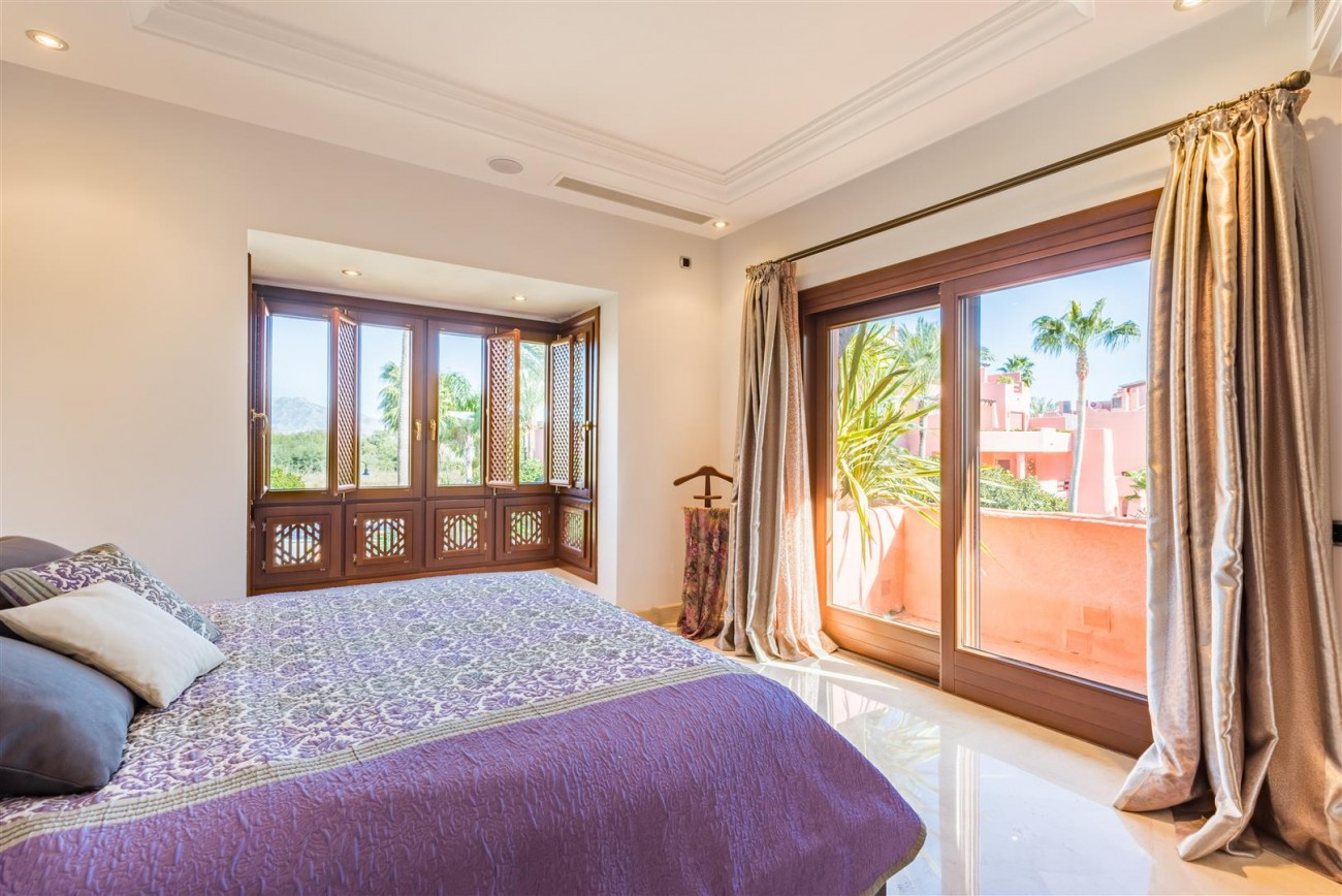 Beachfront Luxury Penthouse for sale Estepona Spain (10) (Large)