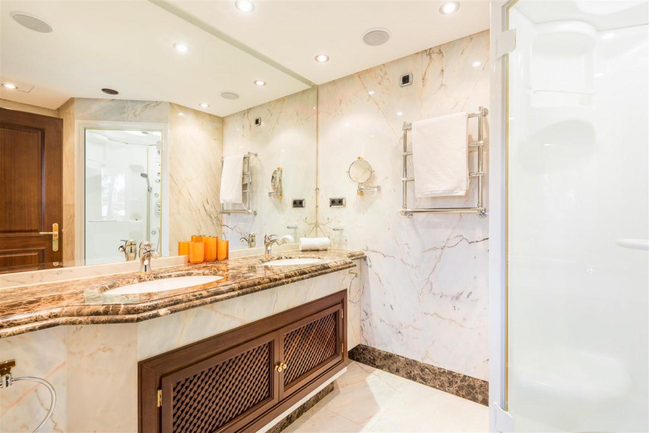 Beachfront Luxury Penthouse for sale Estepona Spain (11) (Large)