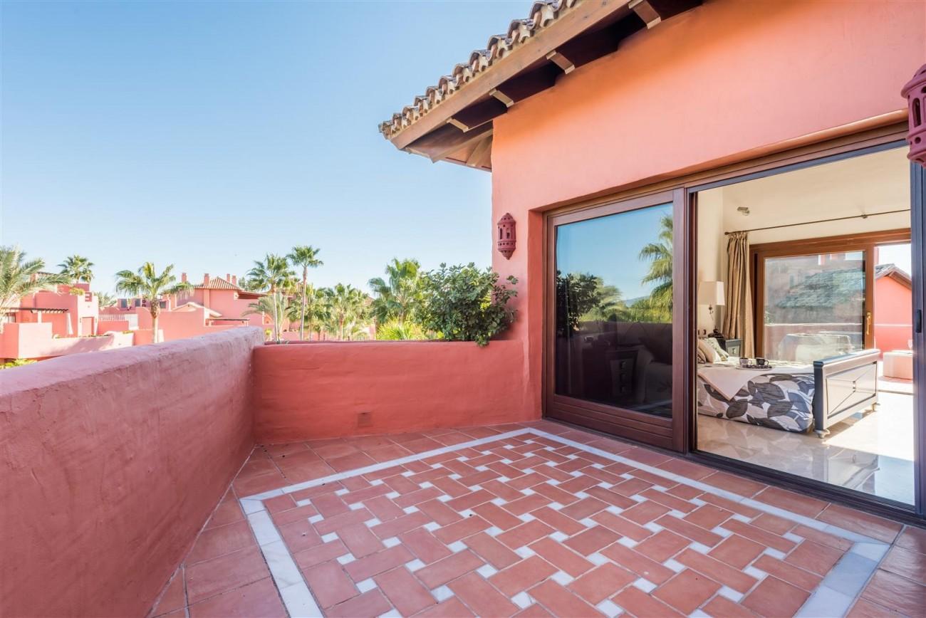 Beachfront Luxury Penthouse for sale Estepona Spain (12) (Large)