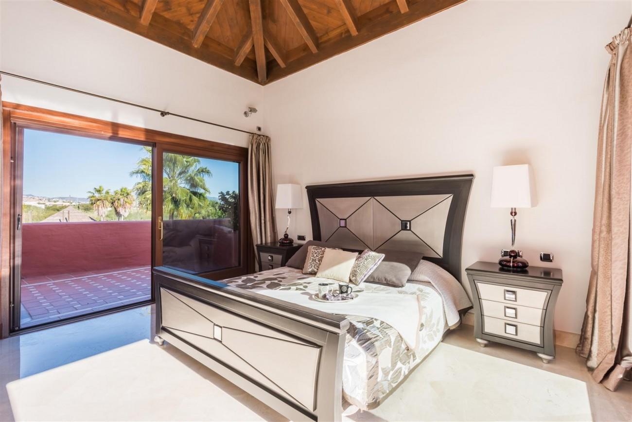 Beachfront Luxury Penthouse for sale Estepona Spain (13) (Large)