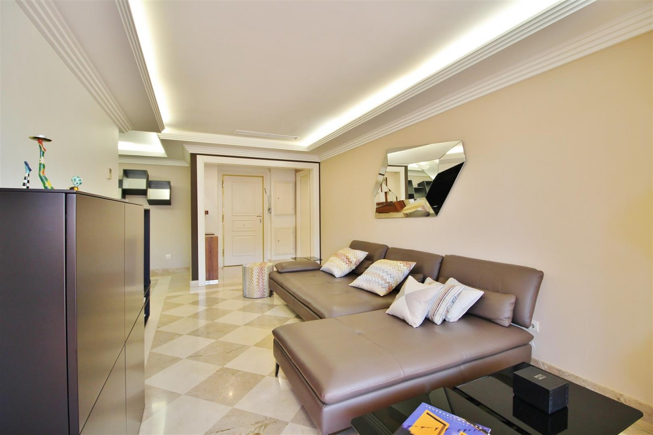 Luxury 2 beds Apartment for sale Nueva Andalucia Marbella Spain (1) (Large)