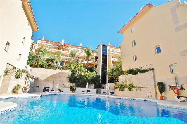 Apartment for Sale - 295.000€ - Nueva Andalucía, Costa del Sol - Ref: 5872