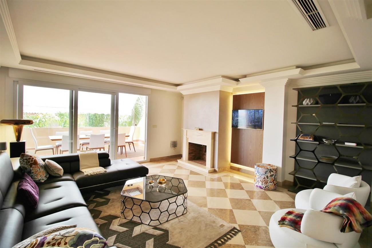 Elegant apartment for sale in Nueva Andalucia Marbella Spain (2) (Large)