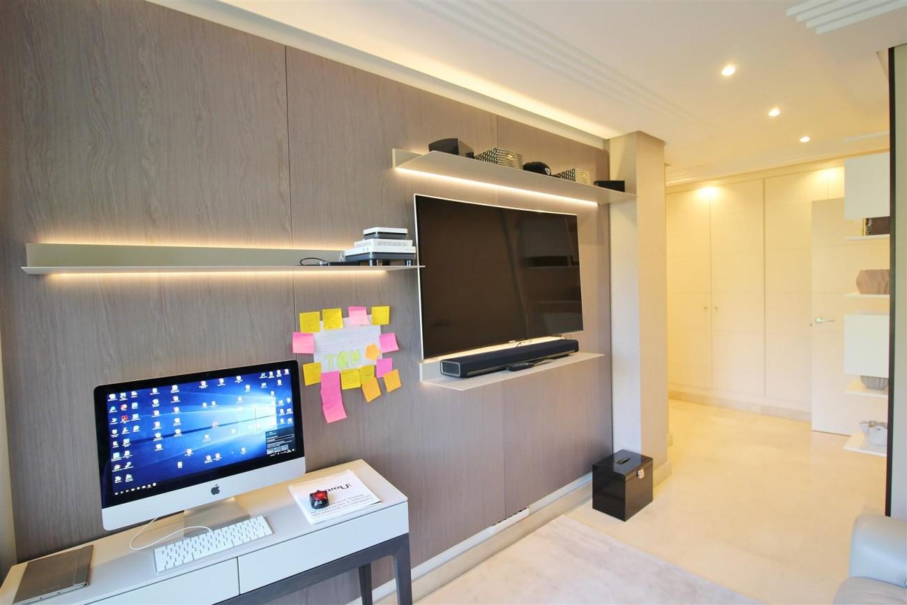 Elegant apartment for sale in Nueva Andalucia Marbella Spain (5) (Large)