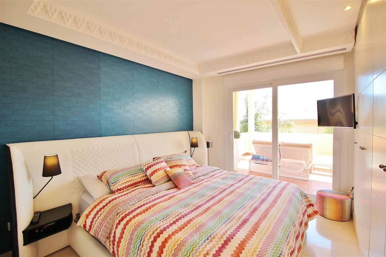 Elegant apartment for sale in Nueva Andalucia Marbella Spain (9) (Large)