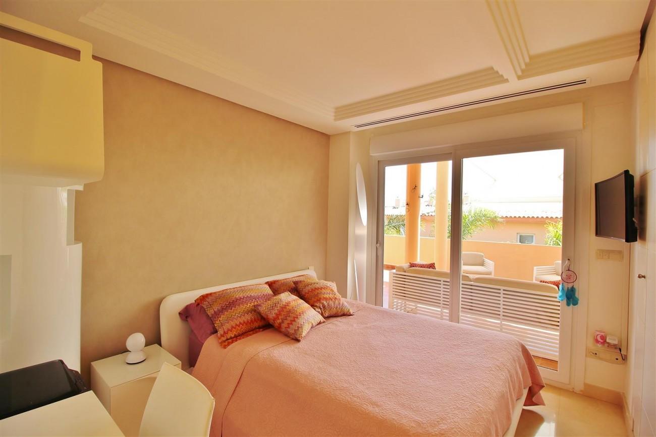Elegant apartment for sale in Nueva Andalucia Marbella Spain (12) (Large)