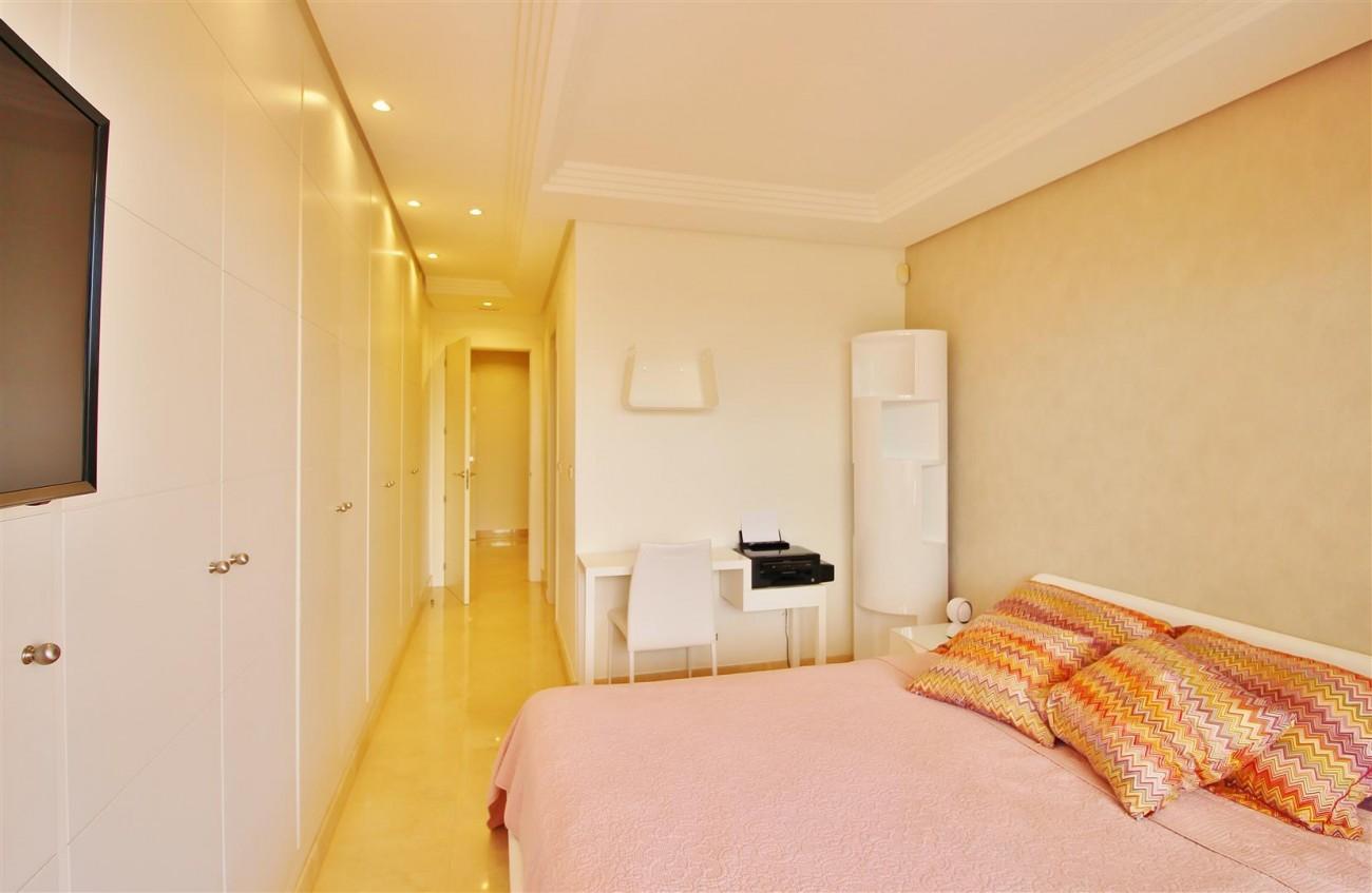 Elegant apartment for sale in Nueva Andalucia Marbella Spain (13) (Large)
