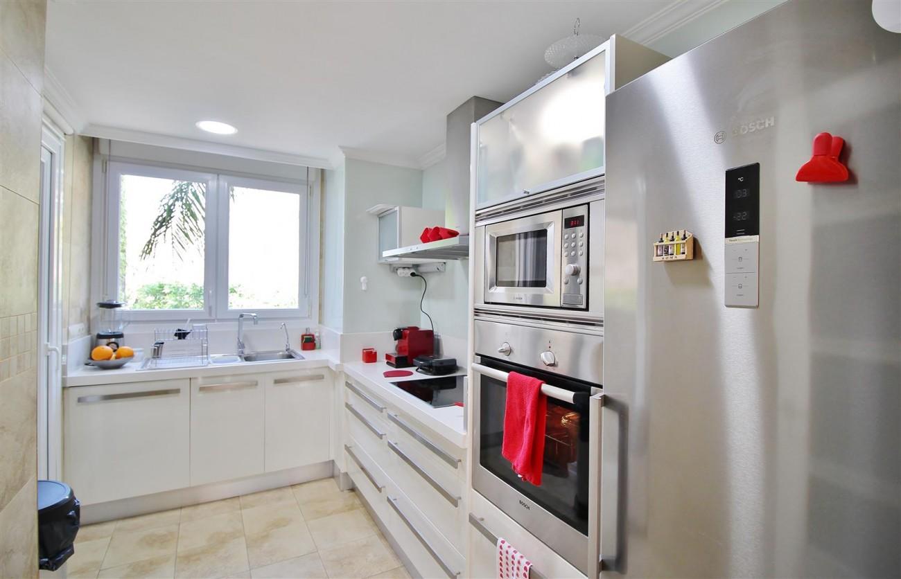 Elegant apartment for sale in Nueva Andalucia Marbella Spain (14) (Large)