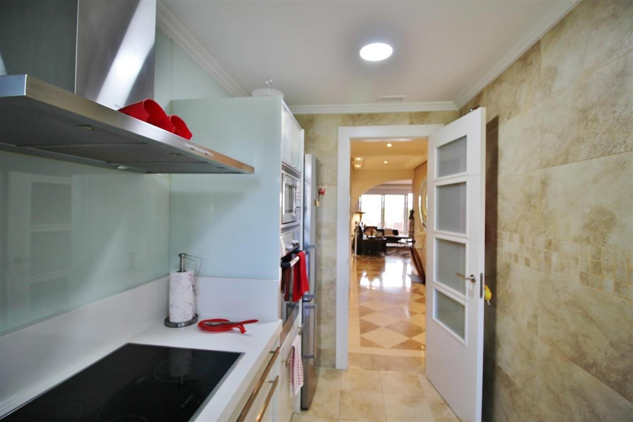 Elegant apartment for sale in Nueva Andalucia Marbella Spain (15) (Large)