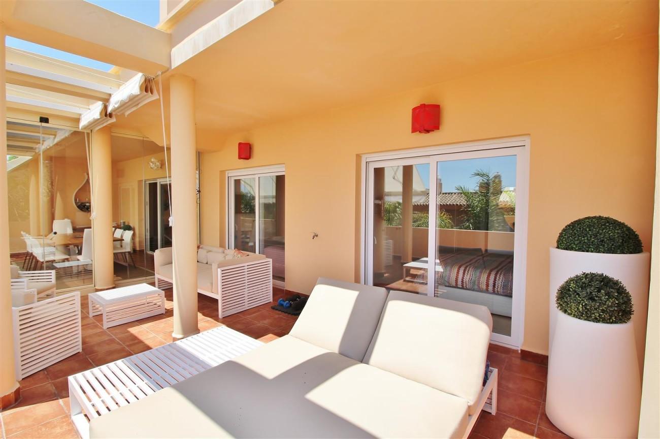 Elegant apartment for sale in Nueva Andalucia Marbella Spain (19) (Large)
