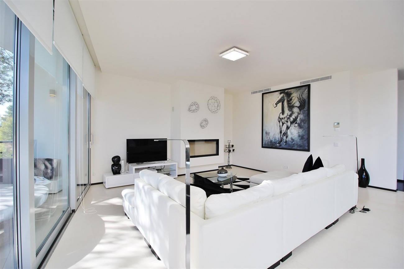 Luxury Contemporary Townhouse for sale Marbella Golden Mile Spain (7) (Large)
