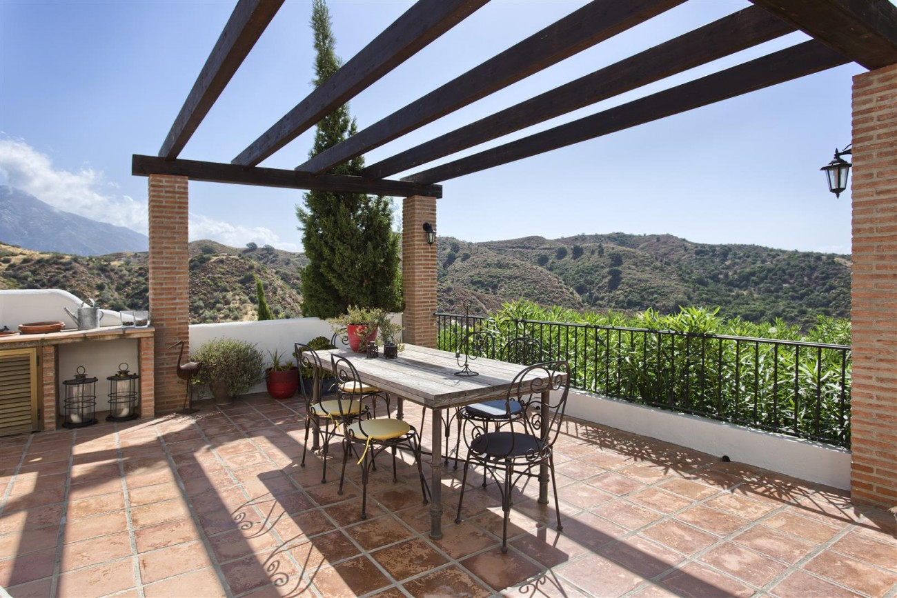 Luxury Villa for sale Benahavis Spain (9) (Large)