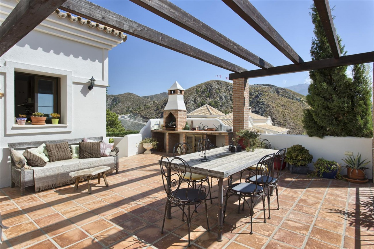 Luxury Villa for sale Benahavis Spain (10) (Large)