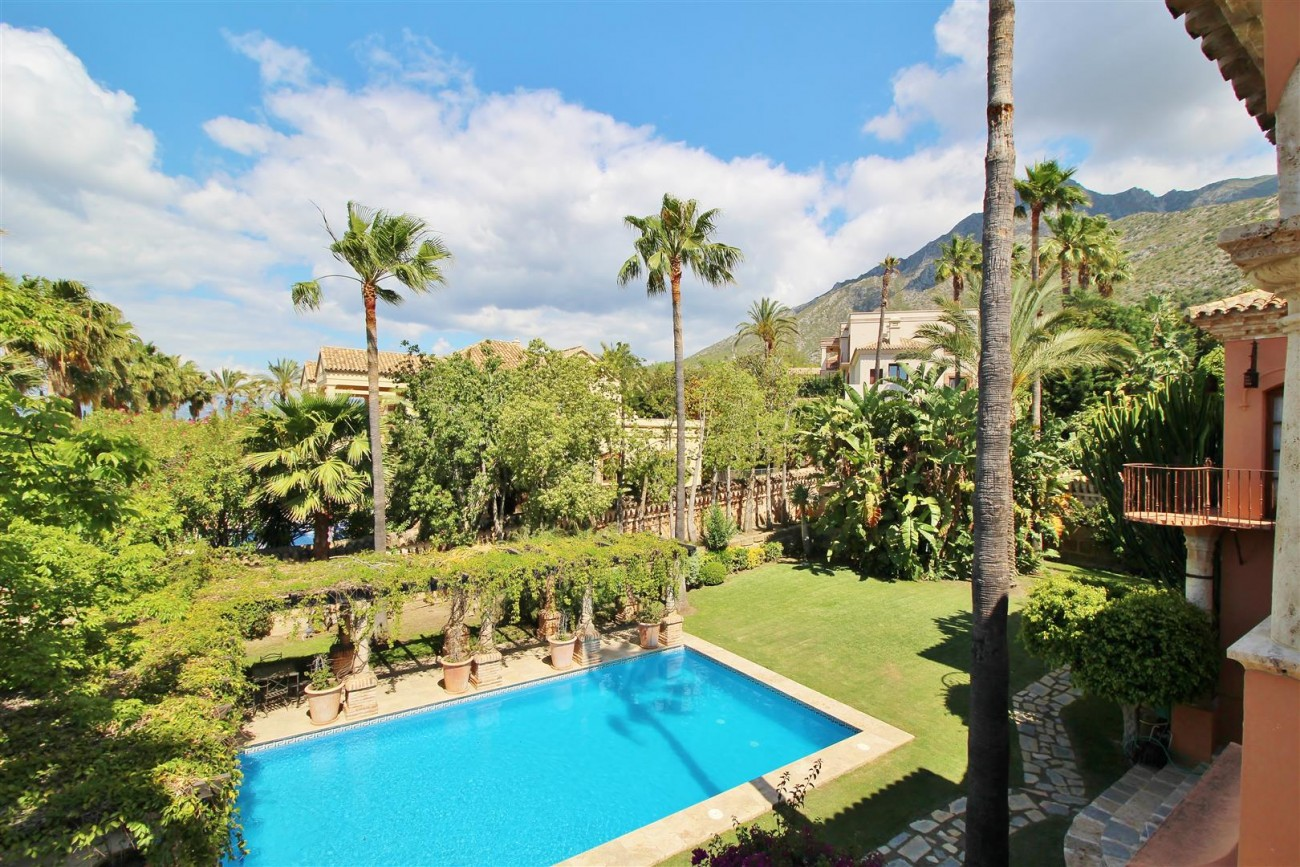 Luxury Villa for sale Sierra Blanca Marbella Spain (54) (Large)