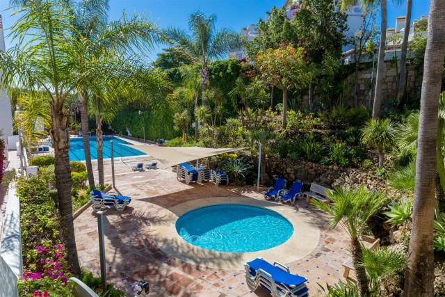 Apartment for Sale - 429.000€ - Nueva Andalucía, Costa del Sol - Ref: 5882