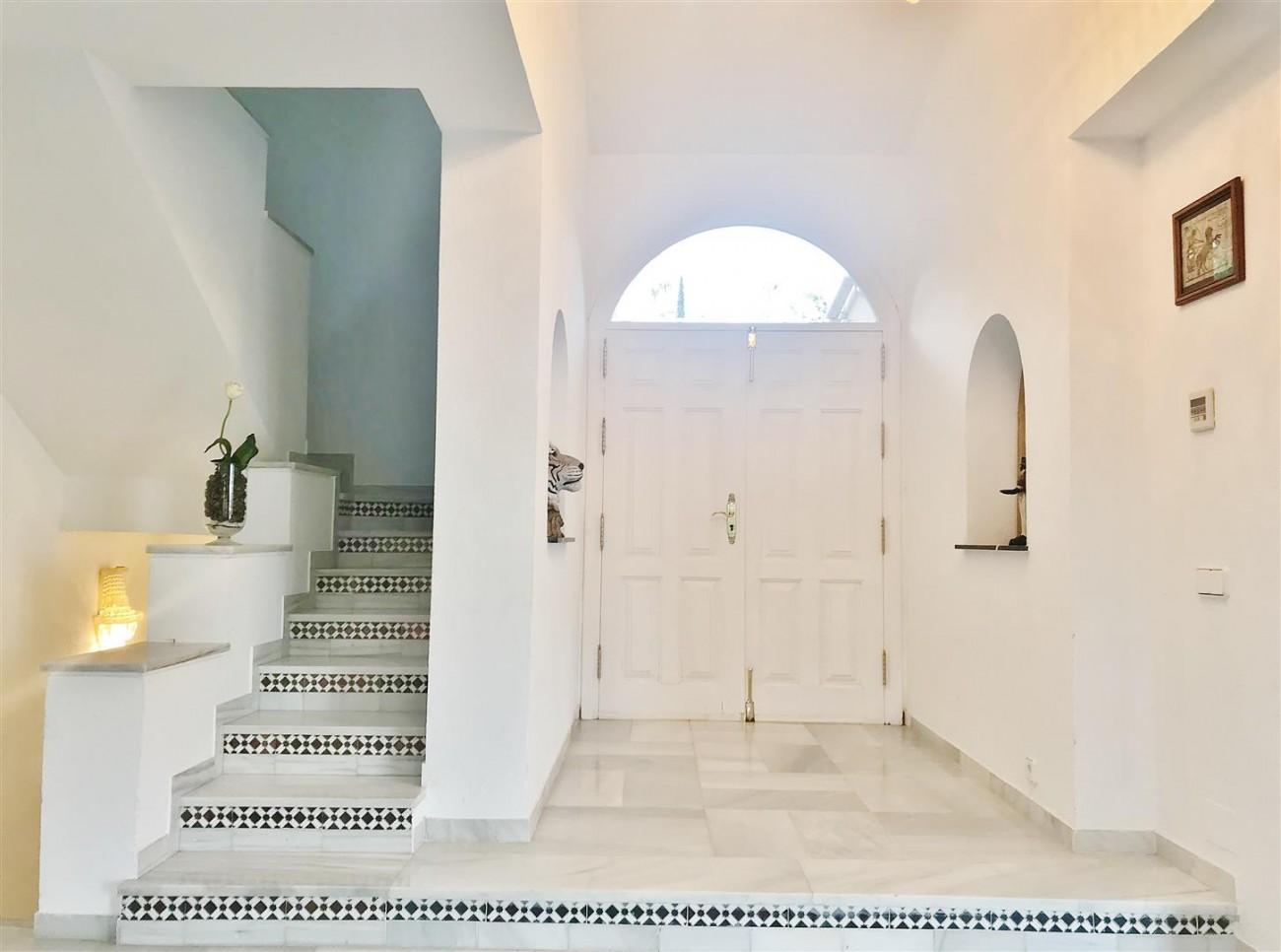 Villa for sale Nueva Andalucia Marbella Spain (11) (Large)