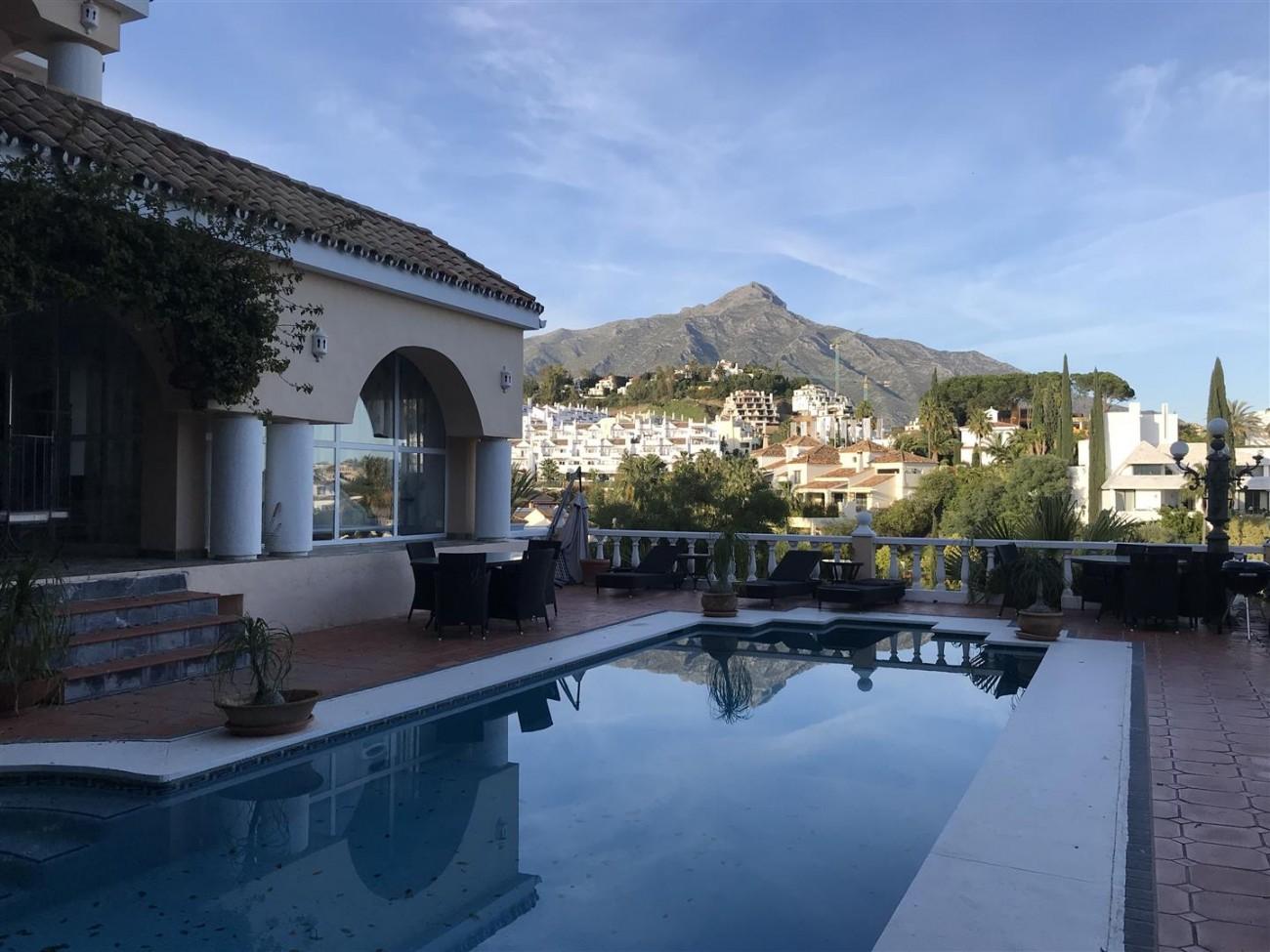 Villa for sale Nueva Andalucia Marbella Spain (26) (Large)