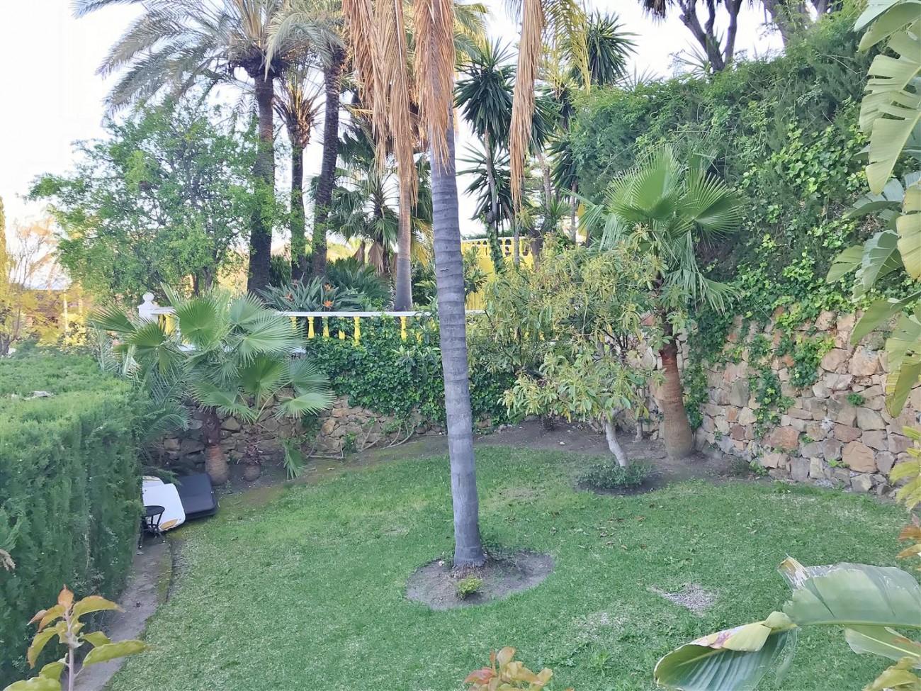 Villa for sale Nueva Andalucia Marbella Spain (28) (Large)