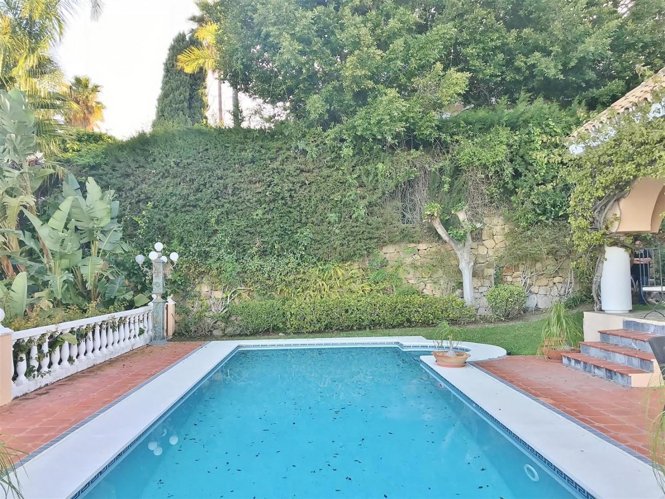 Villa for sale Nueva Andalucia Marbella Spain (29) (Large)