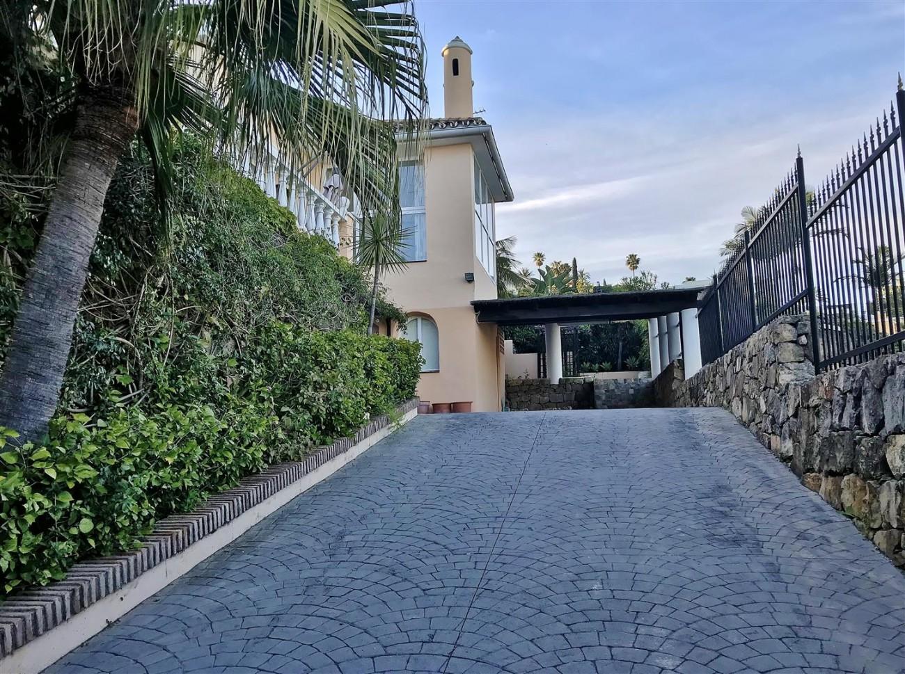 Villa for sale Nueva Andalucia Marbella Spain (33) (Large)