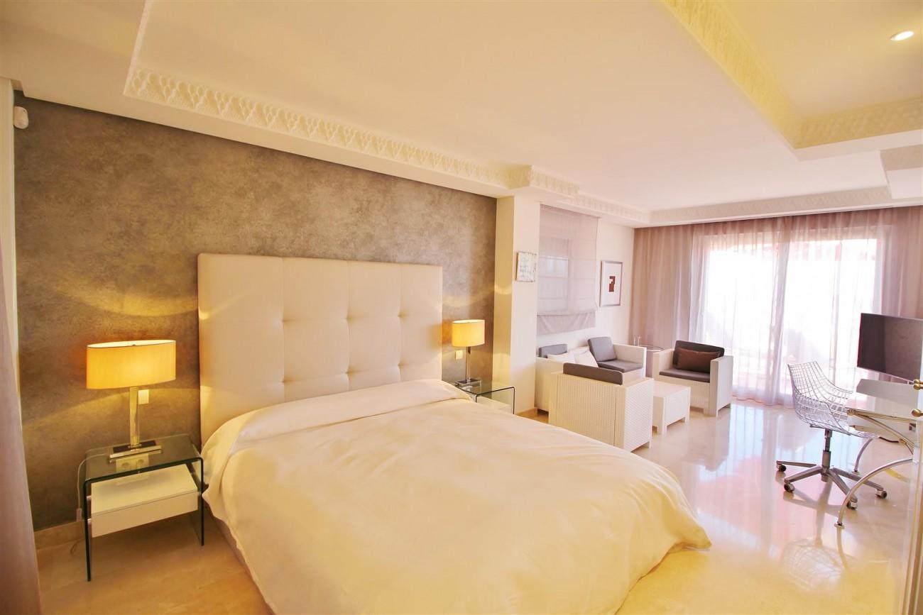 Beautiful 2 Beds Penthouse Duplex for rent Nueva Andalucia Marbella Spain (12) (Large)