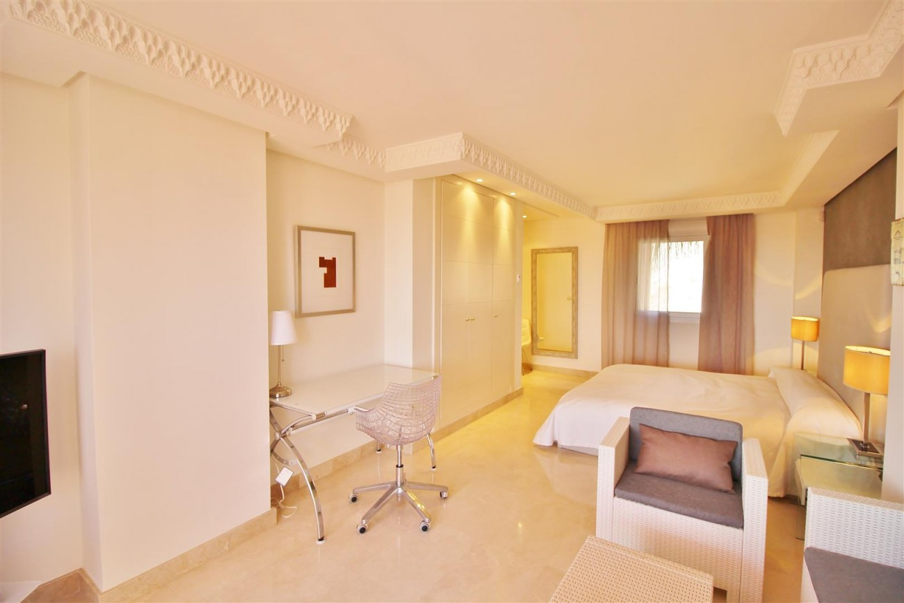 Beautiful 2 Beds Penthouse Duplex for rent Nueva Andalucia Marbella Spain (13) (Large)