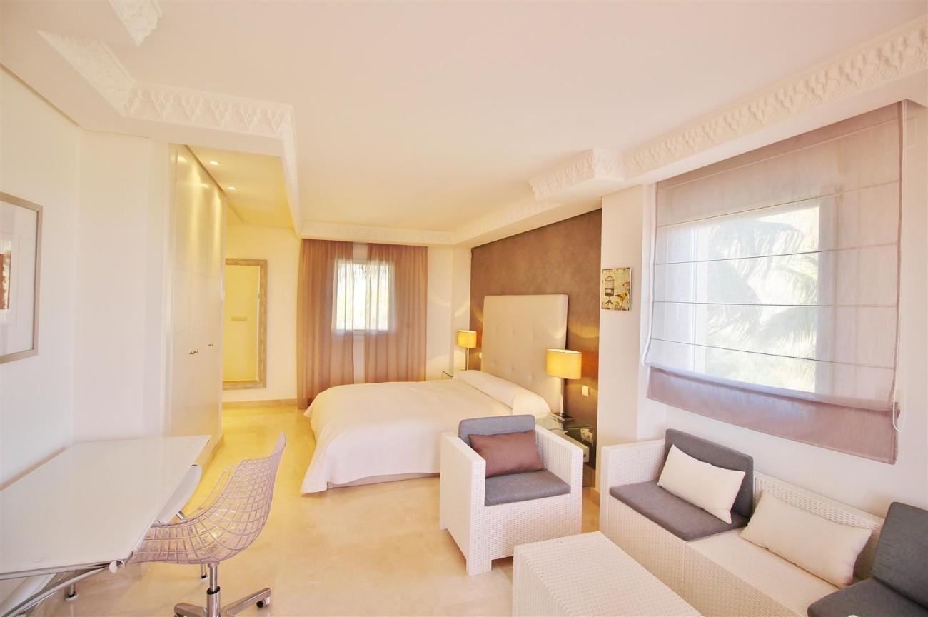 Beautiful 2 Beds Penthouse Duplex for rent Nueva Andalucia Marbella Spain (14) (Large)