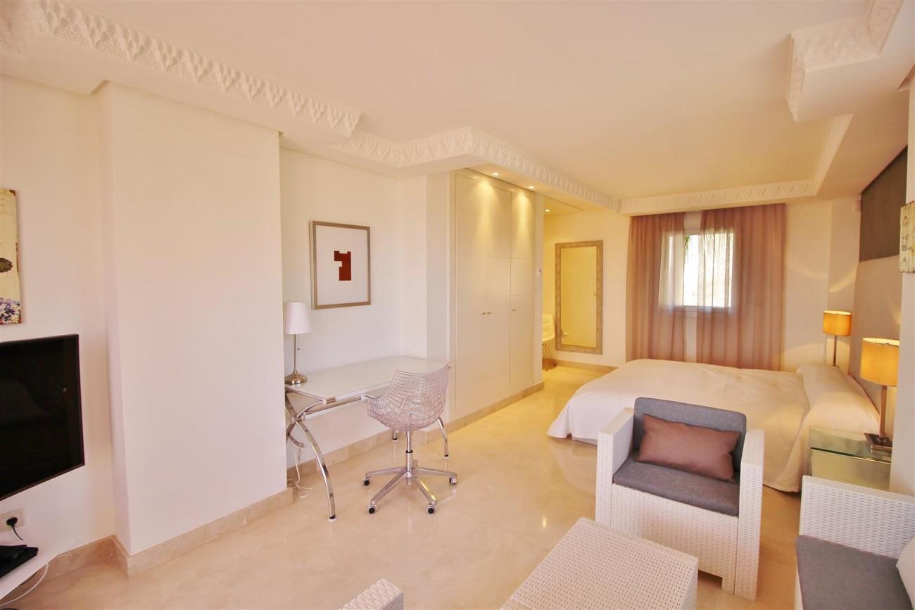 Beautiful 2 Beds Penthouse Duplex for rent Nueva Andalucia Marbella Spain (15) (Large)