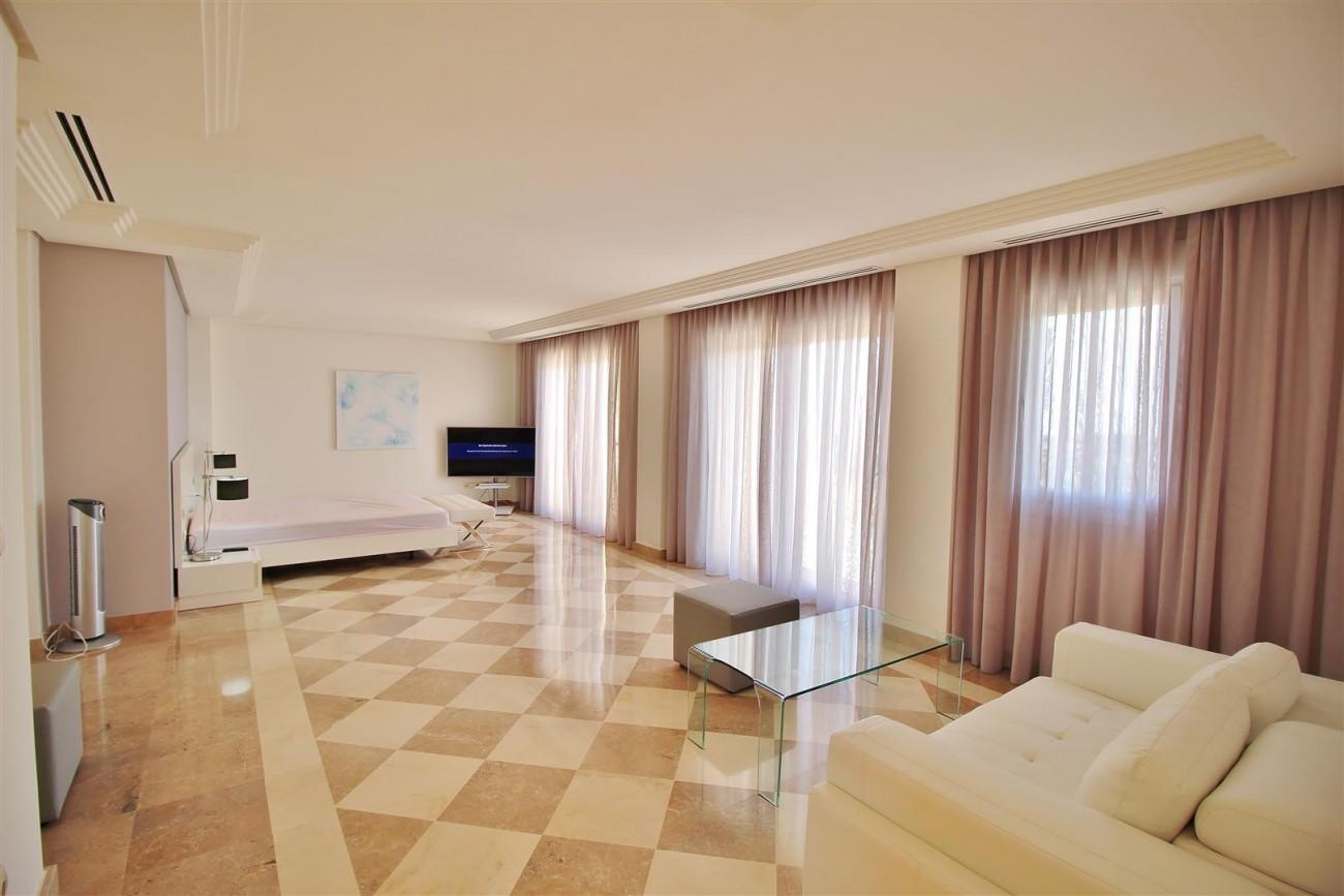 Beautiful 2 Beds Penthouse Duplex for rent Nueva Andalucia Marbella Spain (22) (Large)