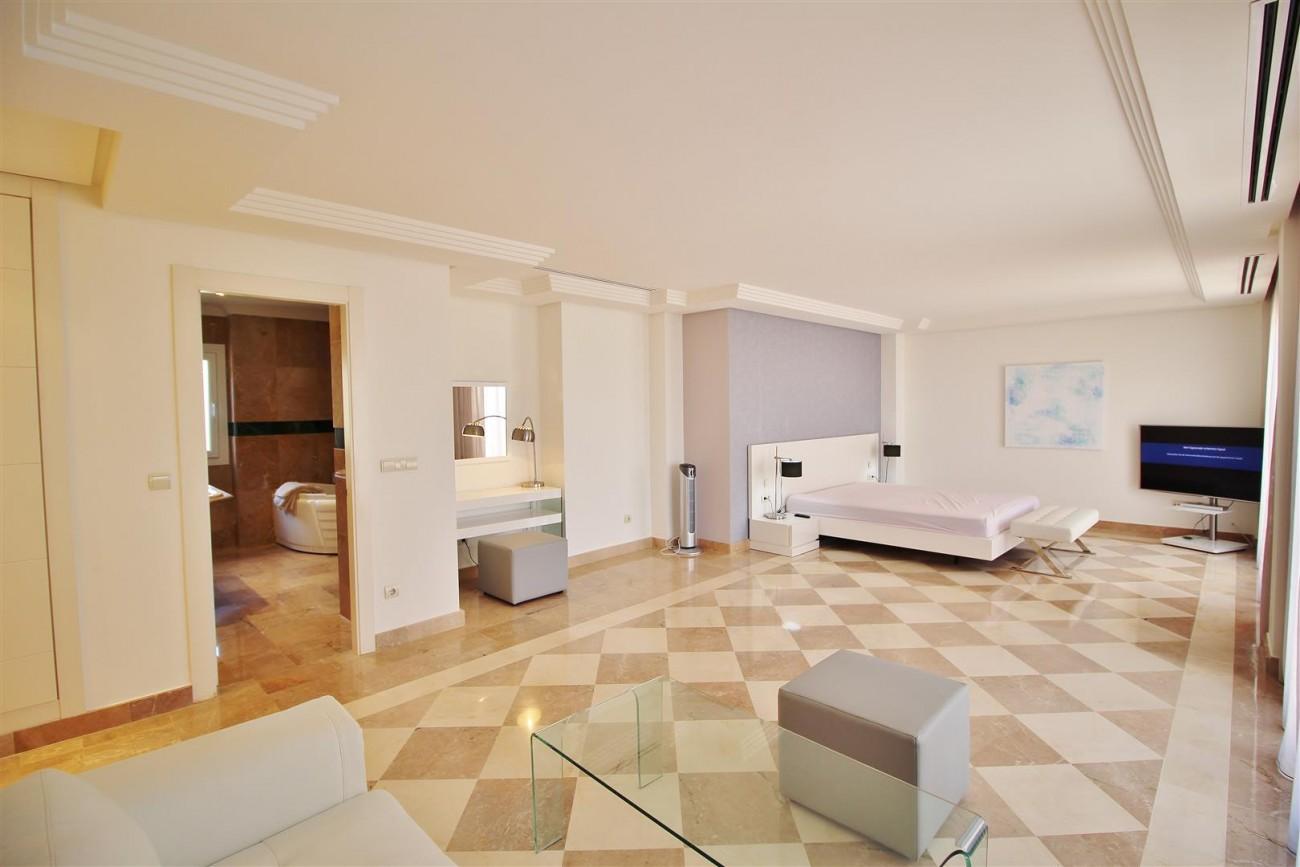Beautiful 2 Beds Penthouse Duplex for rent Nueva Andalucia Marbella Spain (23) (Large)