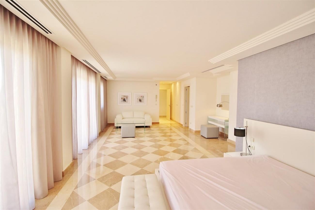 Beautiful 2 Beds Penthouse Duplex for rent Nueva Andalucia Marbella Spain (24) (Large)