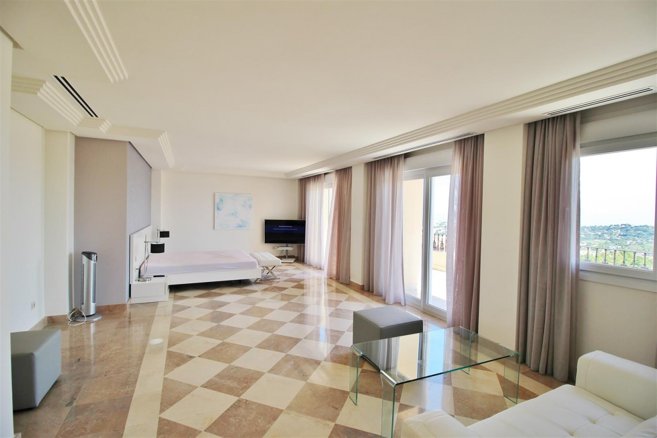 Beautiful 2 Beds Penthouse Duplex for rent Nueva Andalucia Marbella Spain (28) (Large)