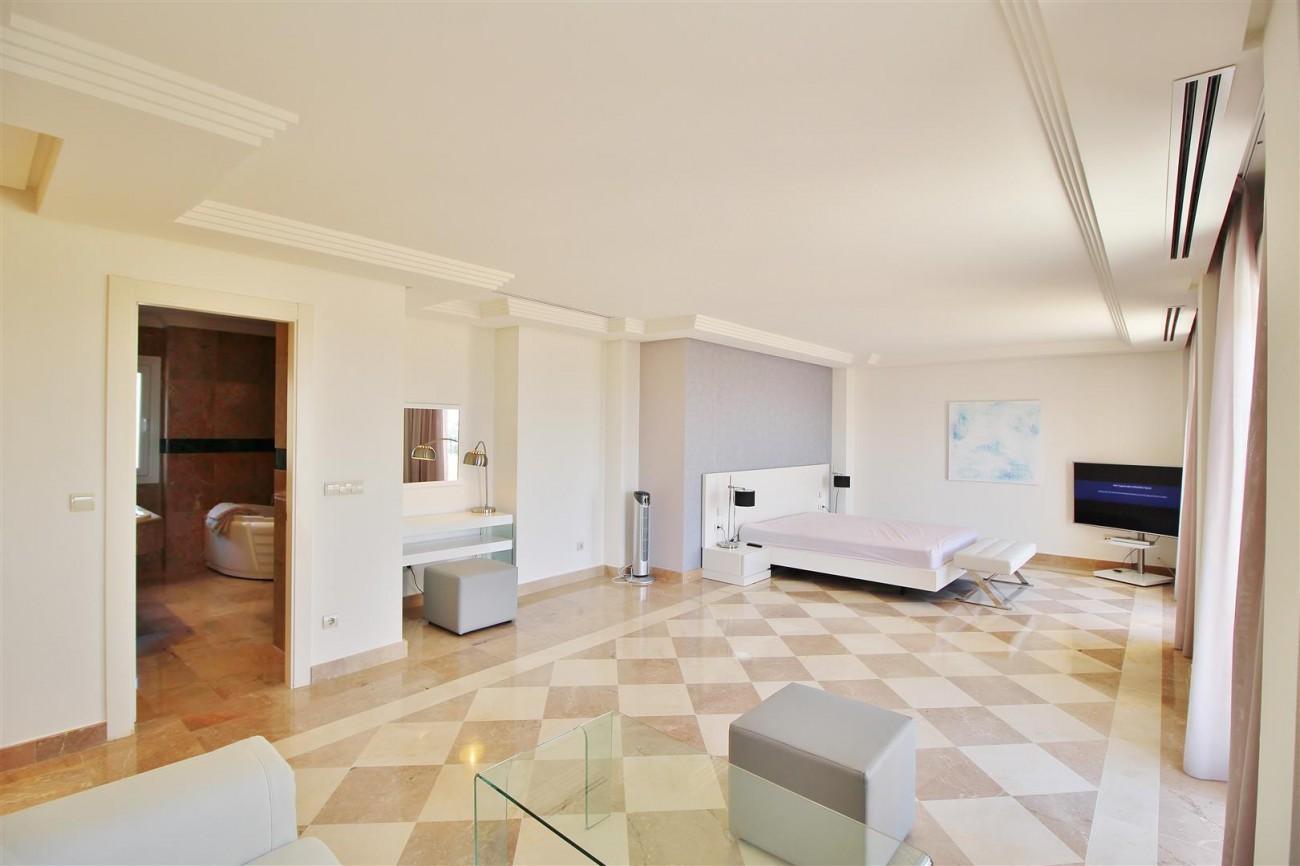 Beautiful 2 Beds Penthouse Duplex for rent Nueva Andalucia Marbella Spain (29) (Large)