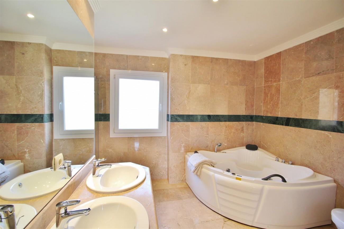 Beautiful 2 Beds Penthouse Duplex for rent Nueva Andalucia Marbella Spain (30) (Large)