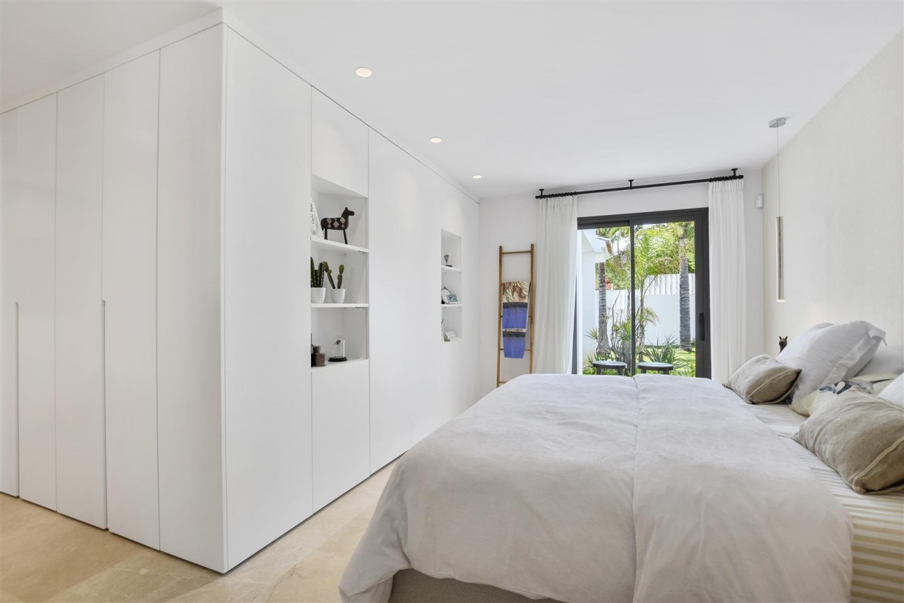 Villa for sale Marbella East Spain (7) (Large)