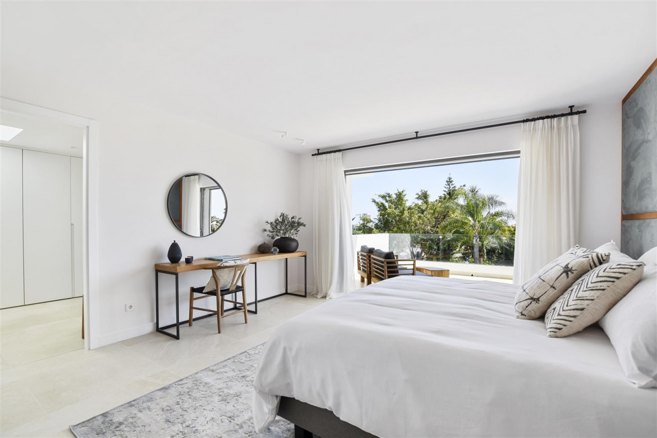 Villa for sale Marbella East Spain (9) (Large)