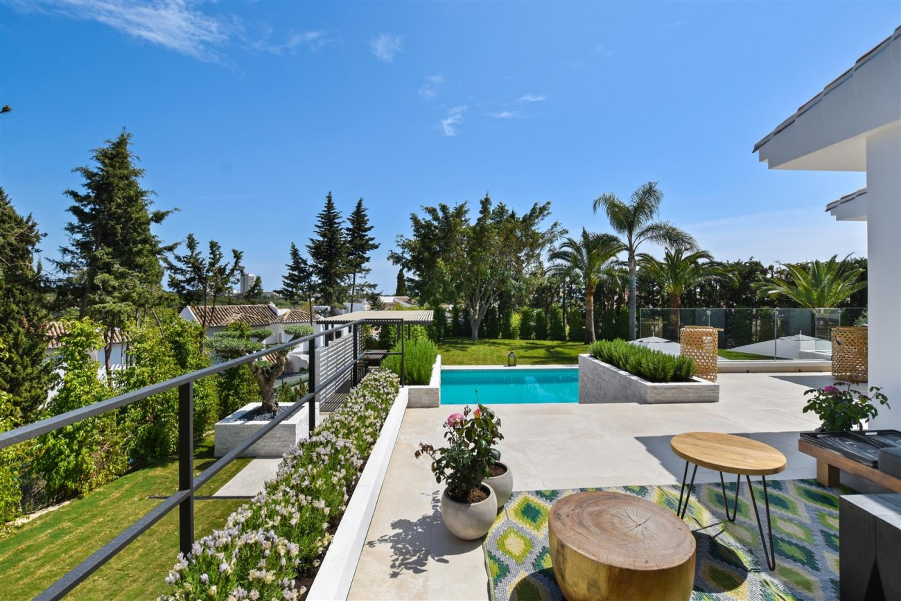Villa for sale Marbella East Spain (18) (Large)