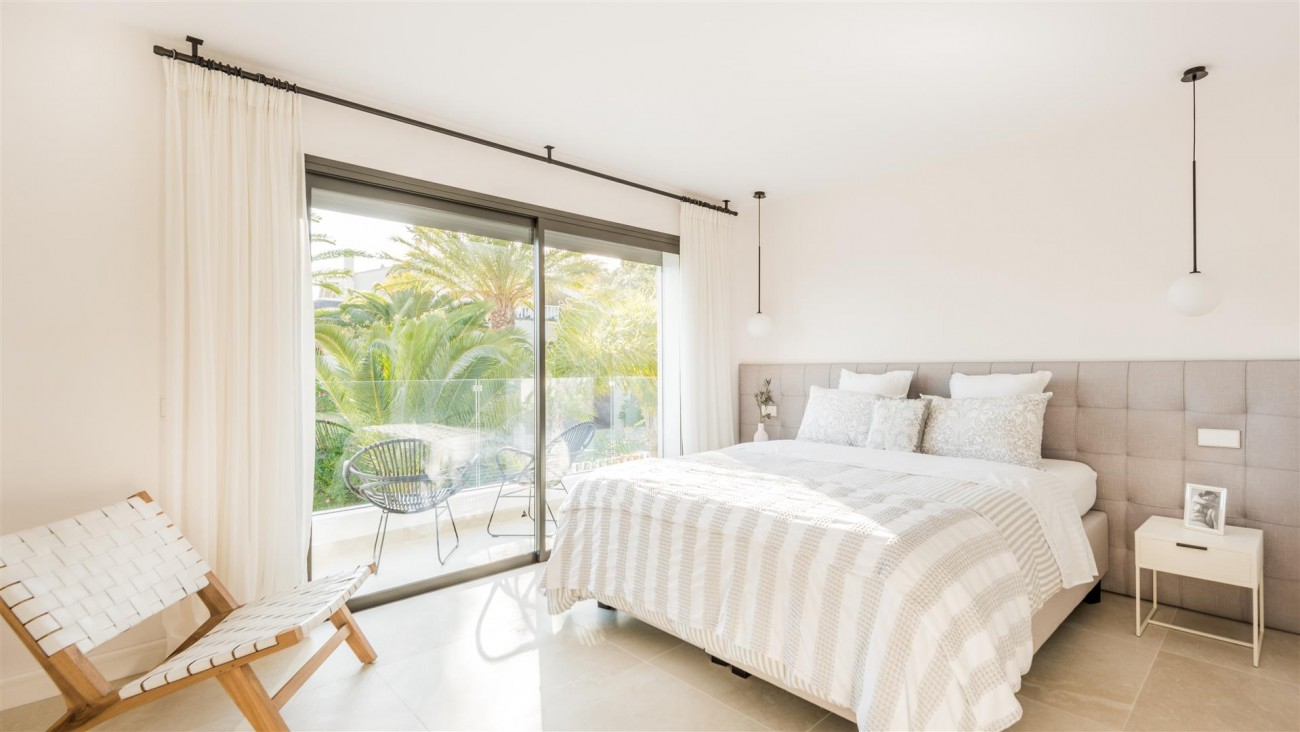 Villa for sale Marbella East Spain (29) (Large)