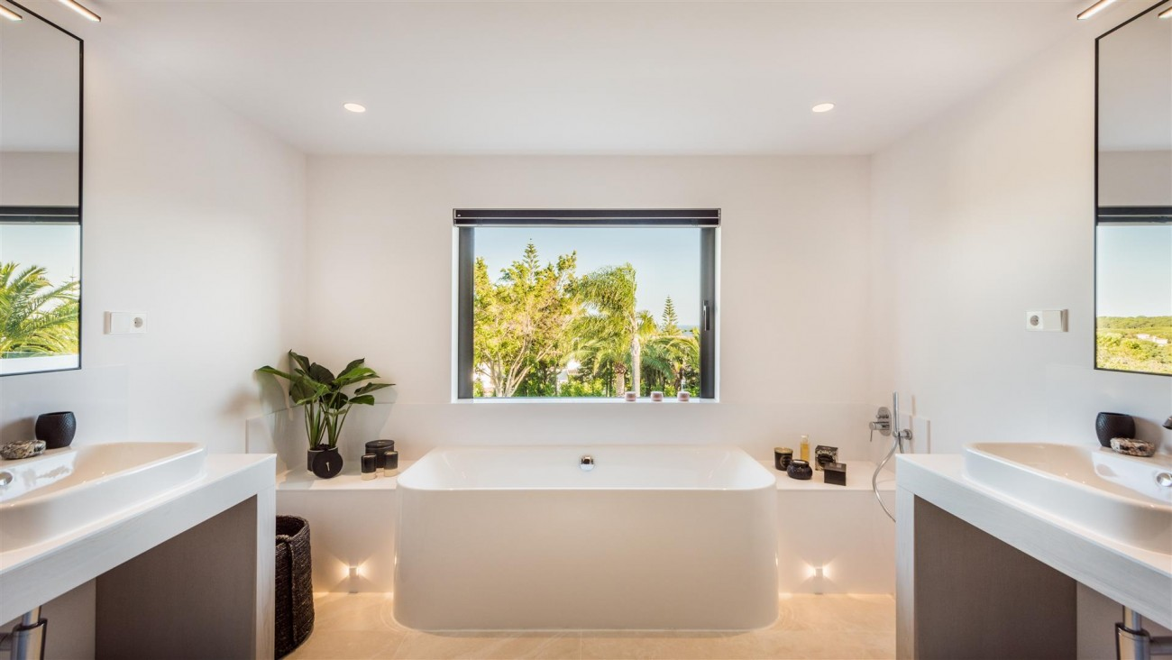 Villa for sale Marbella East Spain (31) (Large)