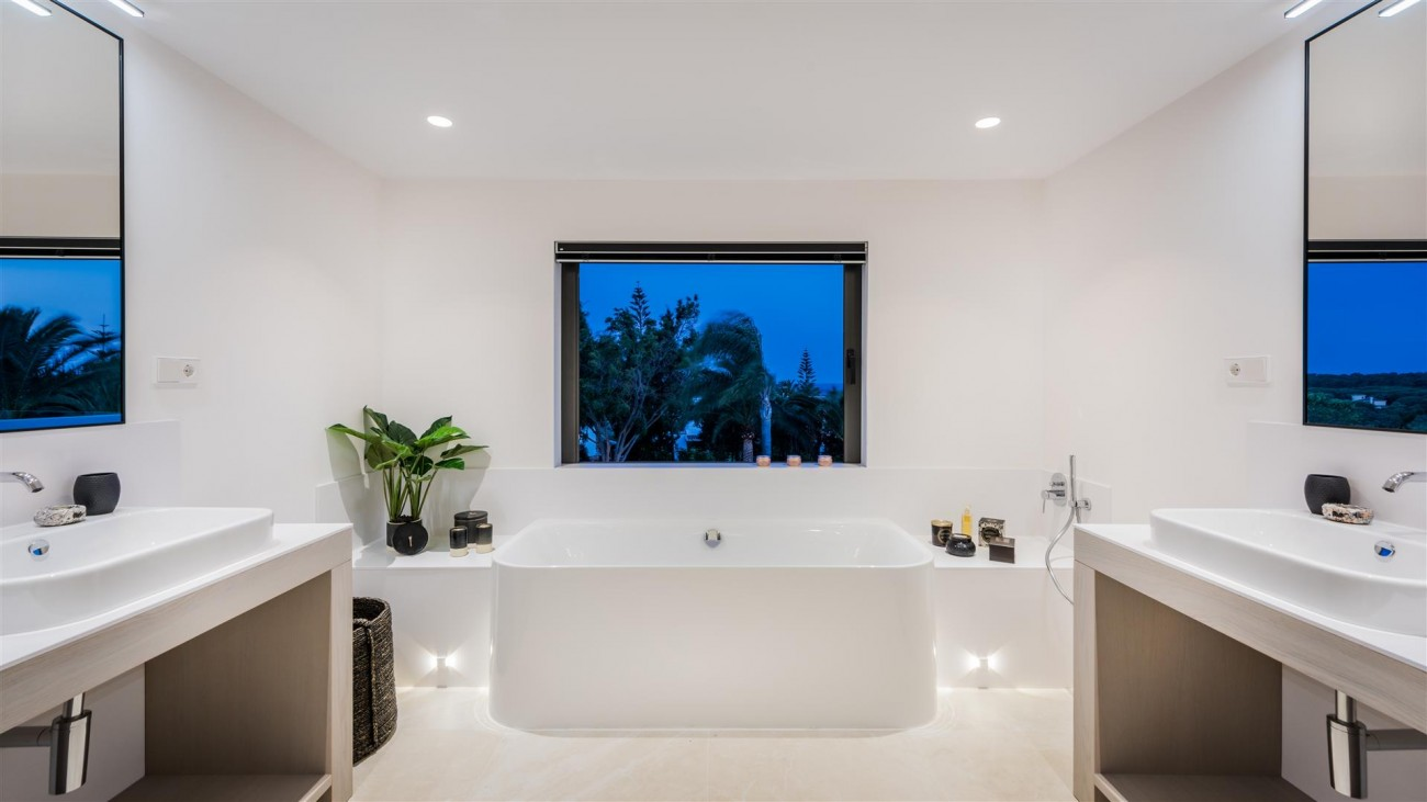 Villa for sale Marbella East Spain (50) (Large)