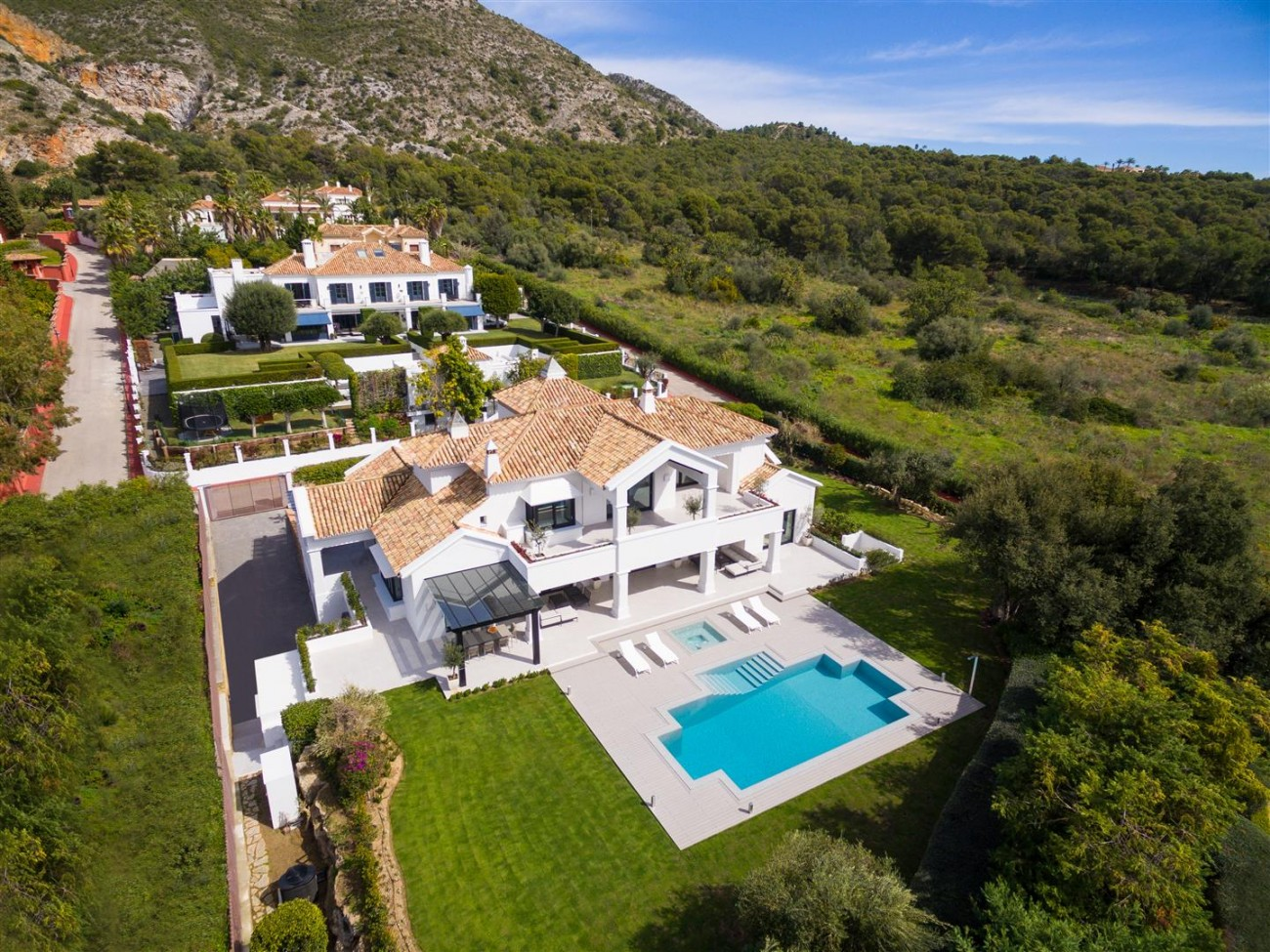 Luxury Villa for sale Marbella Golden Mile Spain (27) (Large)