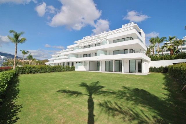 Apartment for Sale - 590.000€ - Estepona, Costa del Sol - Ref: 5914