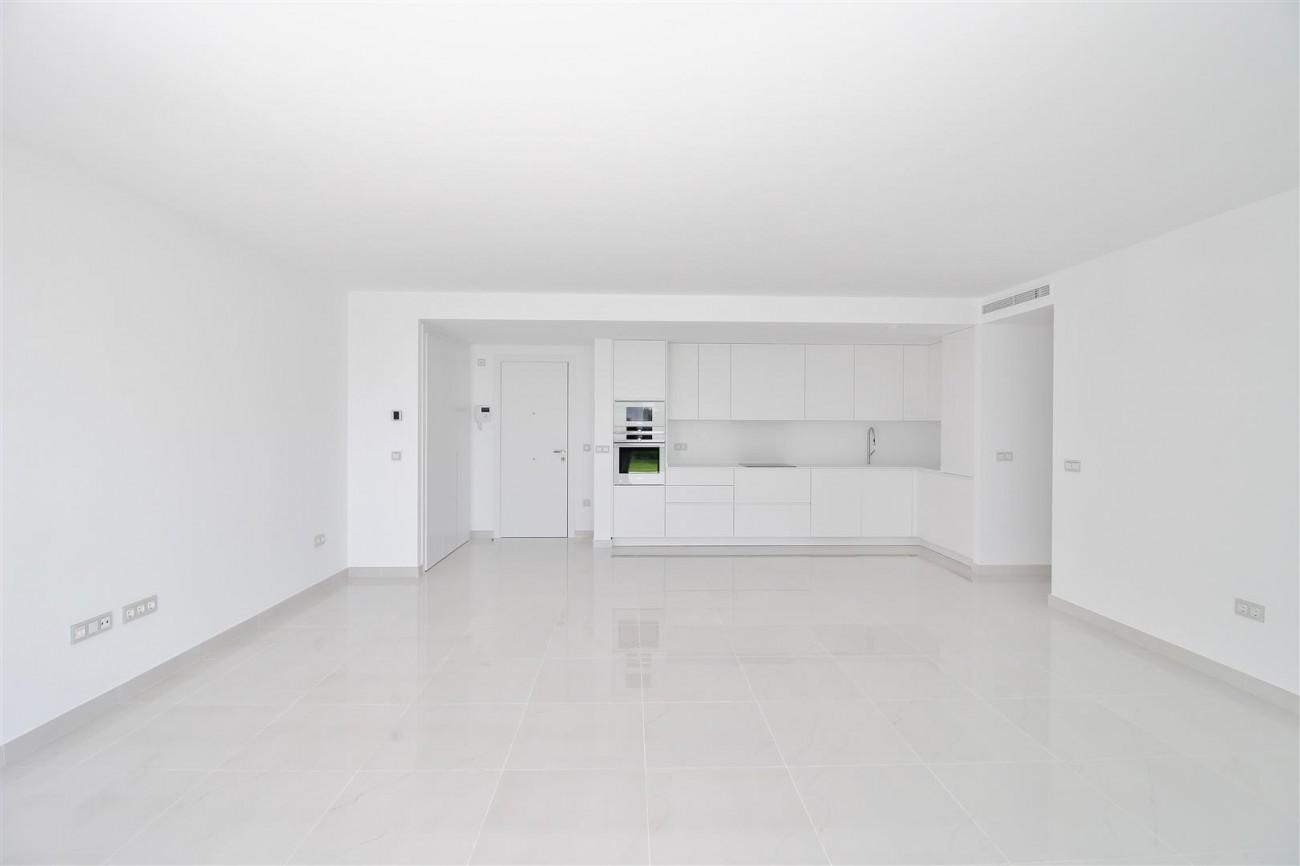 New Contemporary Apartment for sale Estepona Spain (4) (Large)